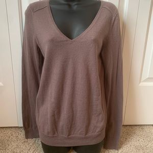 Medium Gap v neck sweater